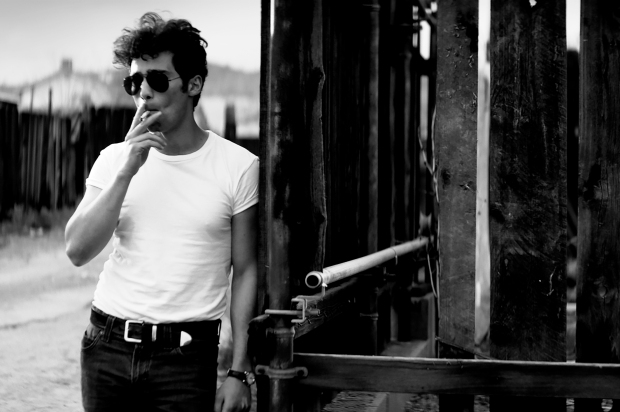 Visual proof of Arash Marandi's James Dean-ness.